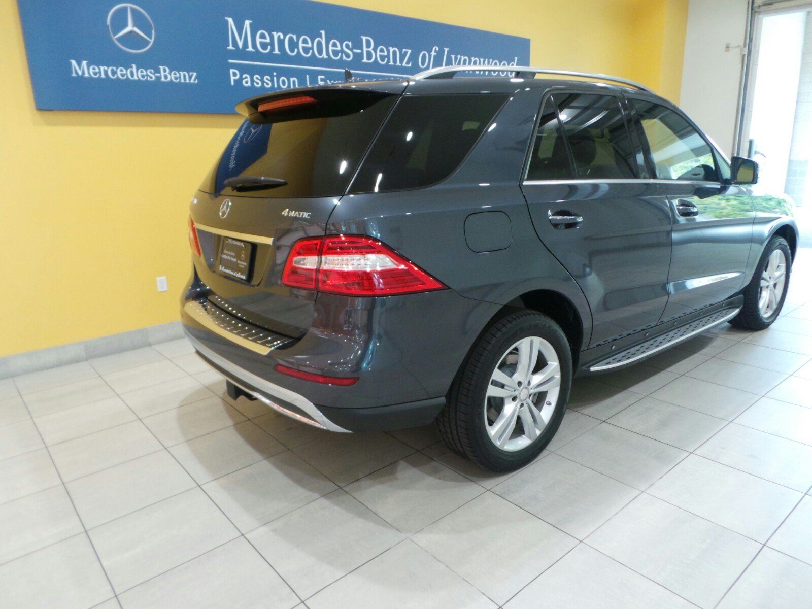 Certified pre owned 2014 mercedes benz m class ml350 for Certified pre owned mercedes benz