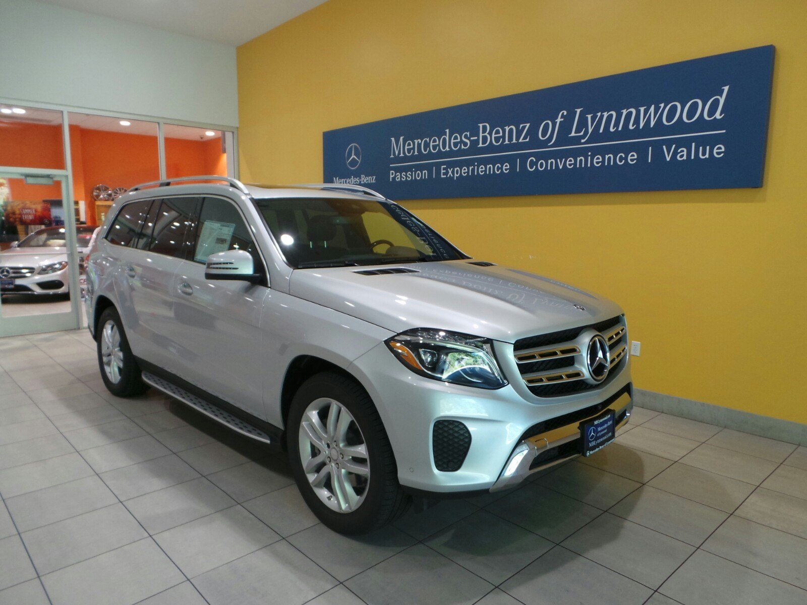New 2017 mercedes benz gls gls450 4matic suv in lynnwood for 2017 mercedes benz gls450