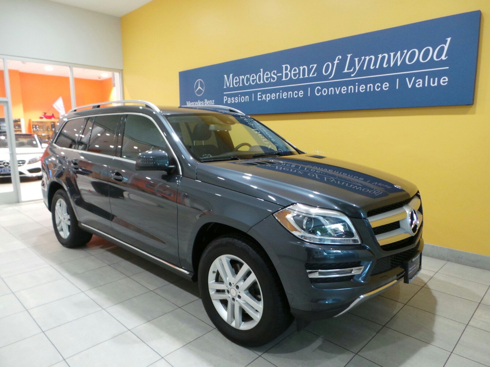 Pre owned 2014 mercedes benz gl class gl450 4matic suv in for Used mercedes benz gl450 4matic