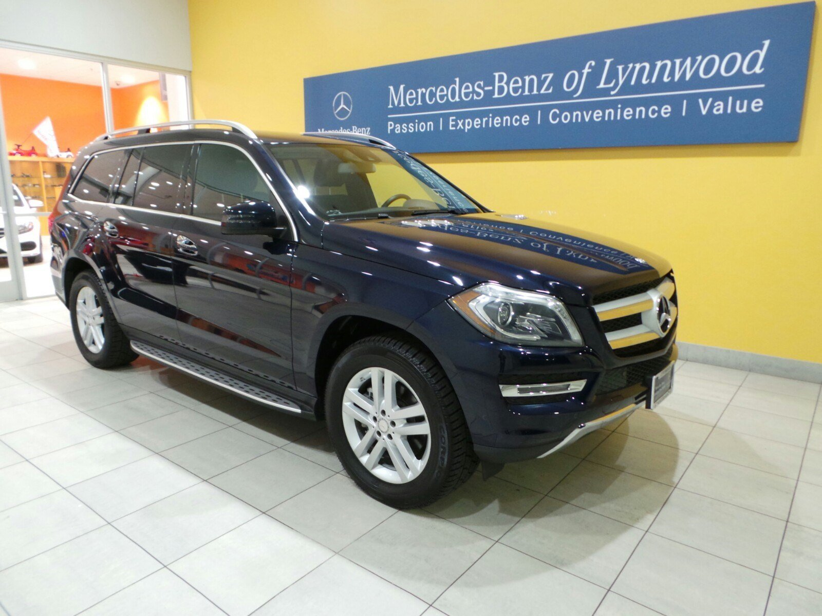 Certified pre owned 2014 mercedes benz gl class gl 450 for Used mercedes benz gl450 4matic