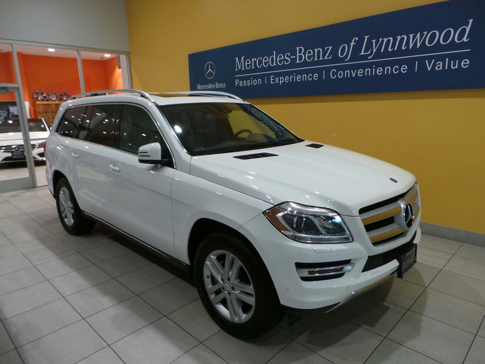 Certified pre owned 2014 mercedes benz gl class gl450 for Used mercedes benz gl450 4matic