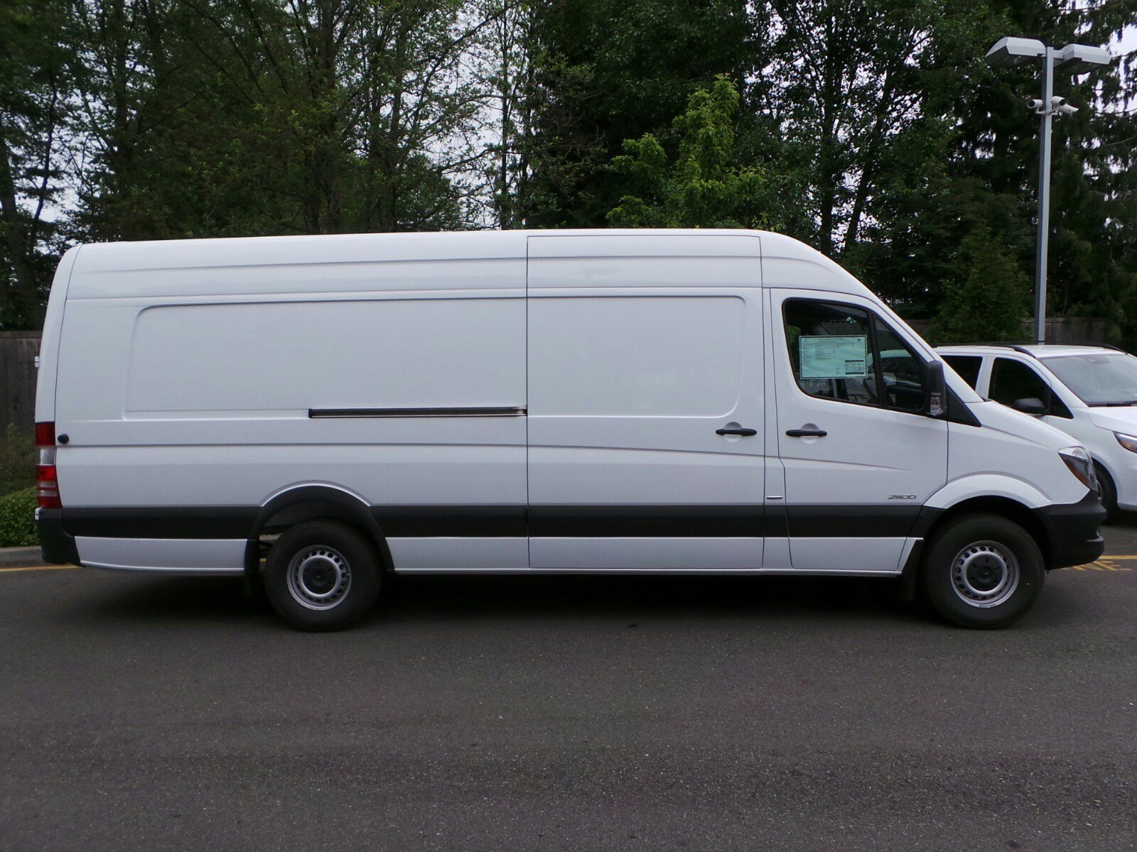 New 2016 mercedes benz sprinter cargo vans ext cargo van for Mercedes benz sprinter service