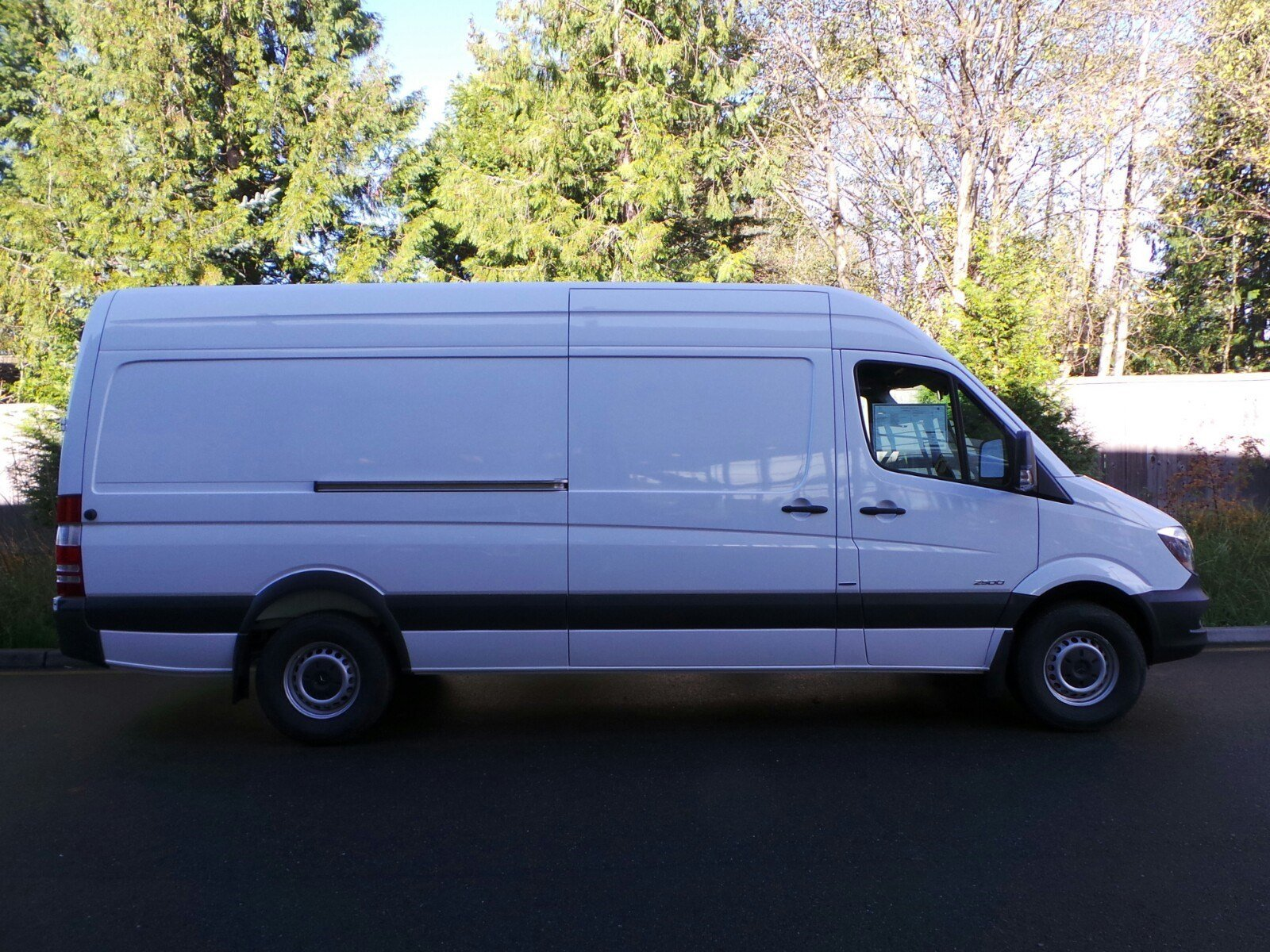 New 2016 mercedes benz sprinter cargo vans cargo van in for Mercedes benz sprinter cargo van
