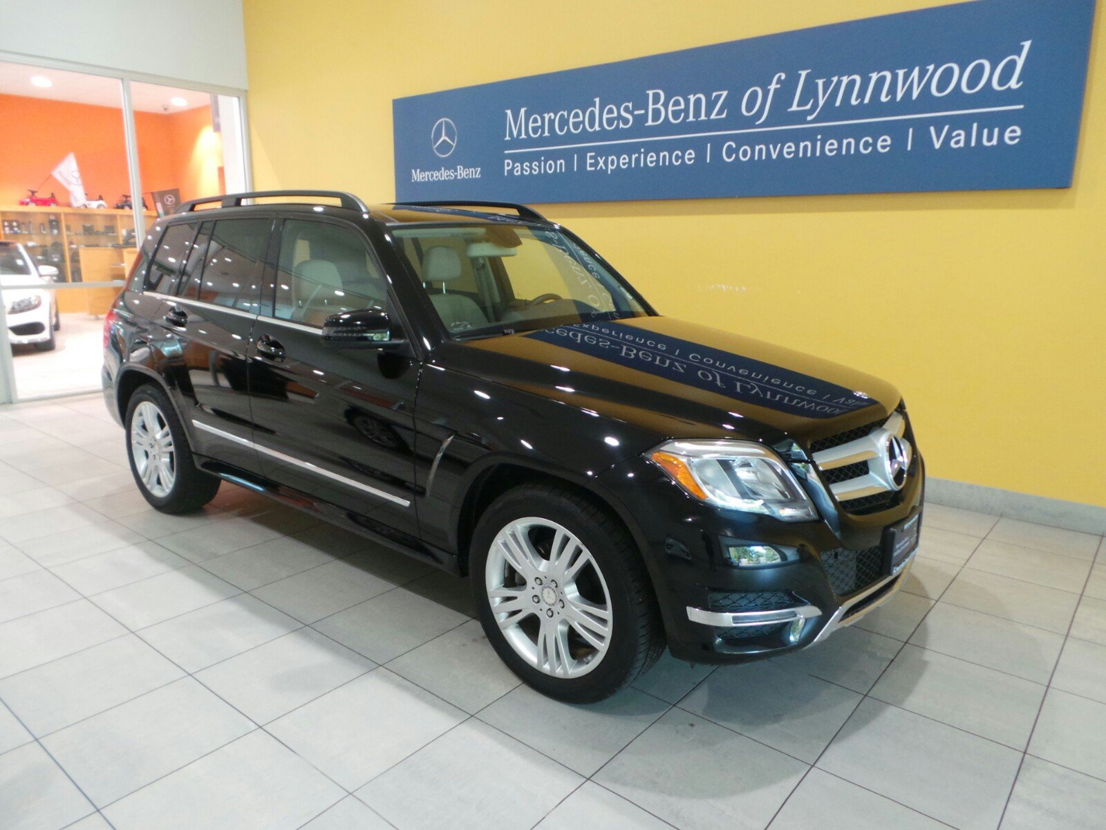 Certified pre owned 2014 mercedes benz glk glk 350 4matic for Mercedes benz cpo