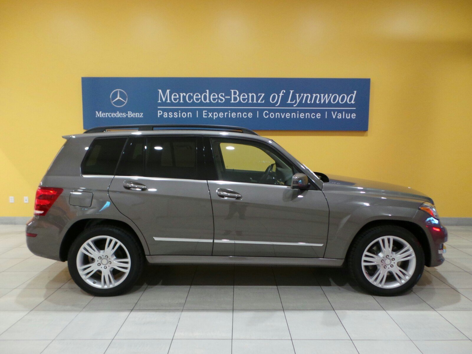 Certified pre owned 2014 mercedes benz glk glk350 4matic for Certified pre owned mercedes benz